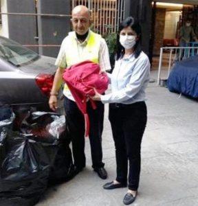 جمعية نورج وزعت حقائب وقرطاسية على ابناء موظفي مستشفى الوردية
